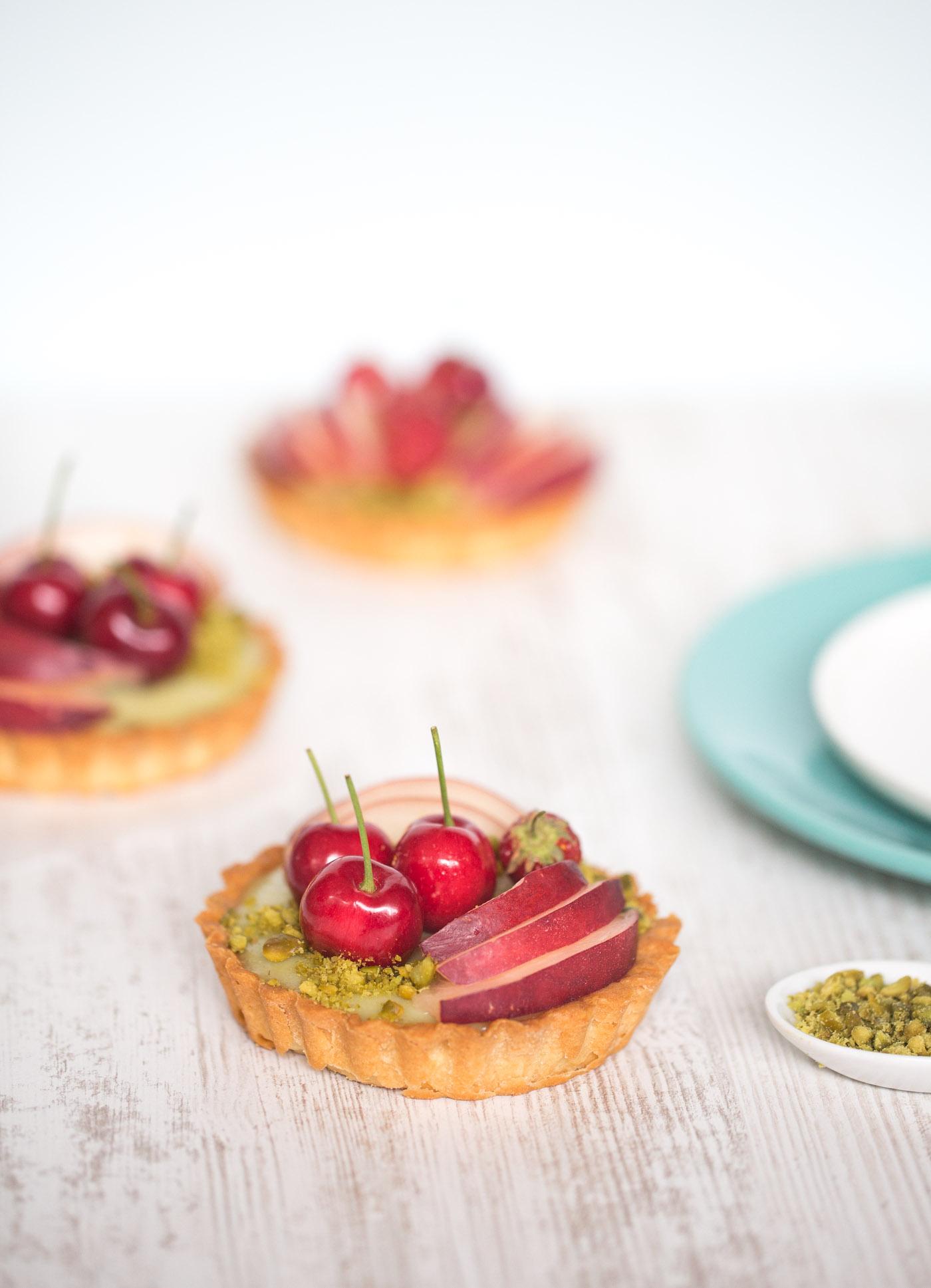 Blanccoco_Photographe_Tartelettes_pistache_fruits_styliste_culinaire-1