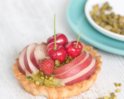 Tartelettes aux fruits de saison et crème de pistache